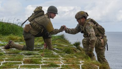 "Photo of Αποστολή αυτοκτονίας – Οι Ranger ""επαναλαμβάνουν"" 75 χρόνια μετά την κατάληψη του υψώματος Pointe du Hoc στη Νορμανδία"